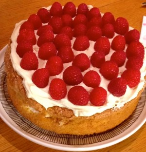 Raspberry genoise